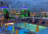 oasis-pool-dusk